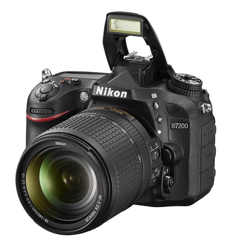 Nikon D7200, Reflex, novità, wi-fi, flash