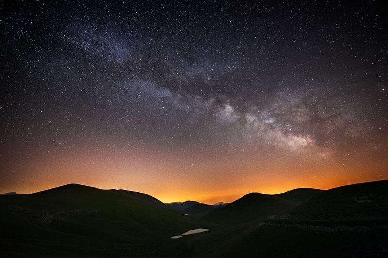 Fotografia notturna, cielo stellato, esposizione, attrezzatura, startrail, luna, obiettivo
