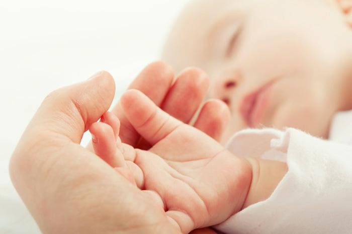 Come fotografare un bambino, tecnica fotografica, dettaglio, mano