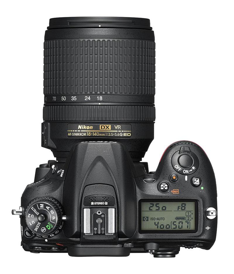 Nikon D7200, Reflex, novità, wi-fi, sopra