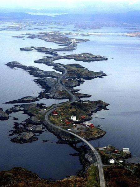Strada nell'oceano Atlantico - Norway, luoghi più belli e mozzafiato del mondo