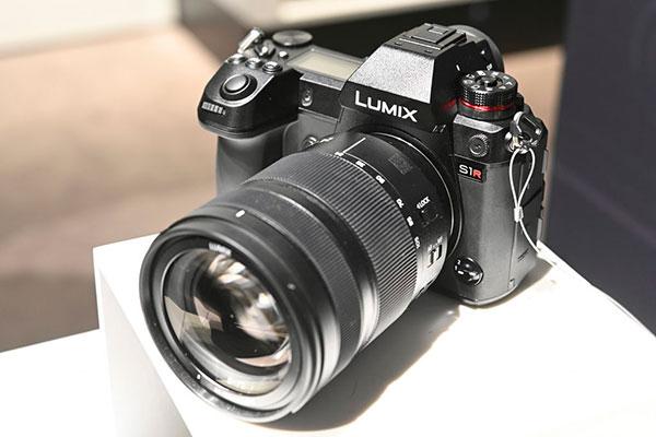 Panasonic Sr1, panasonic mirrorless full frame, lumix sr1, lumix s1